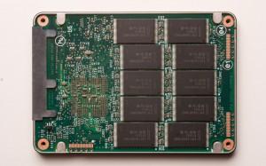 Intr-un SSD