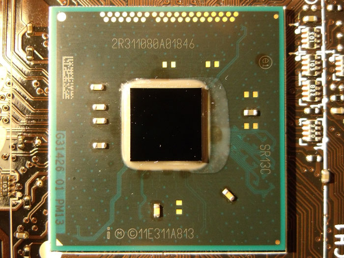Daca aveti probleme cu placa video, chipsetul poate fi dezlipit si necesita un reballing sau reflow.